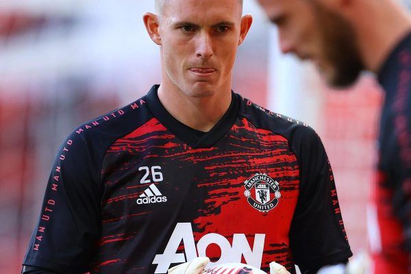Dean Henderson questioned the possibility of moving out with a loan deal