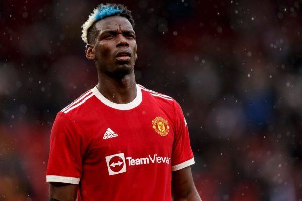 Manchester United are continue talks over a new contract with Paul Pogba